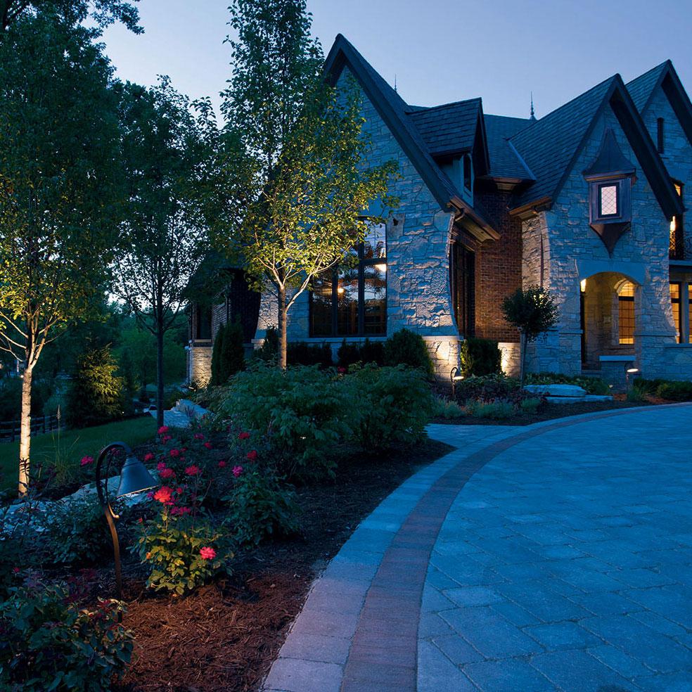 kichler_landscape_brick_house___drive_sq
